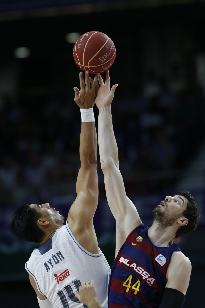 REAL MADRID VENCE A BARCELONA LASSA