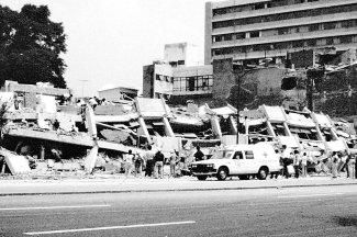 En la imagen, aspecto de algunas construcciones destruidas sobre avenida Chapultepec.